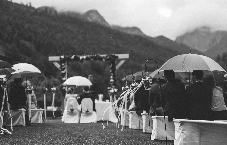 hochzeit - C & M ~ Regenhochzeit in Garmisch -  (C) Lichtmädchen Fotografie | Nicki Schäfer