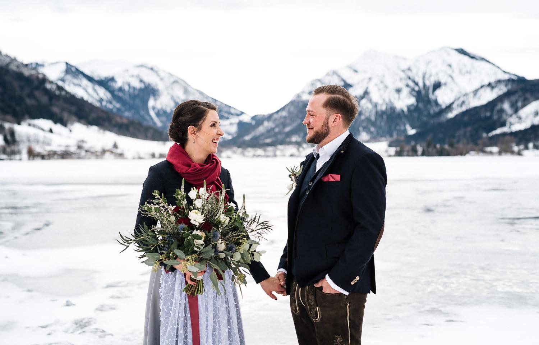 Hochzeitsfotos-Winter-Schliersee-03 - (C) Lichtmädchen Fotografie Nicki Schäfer