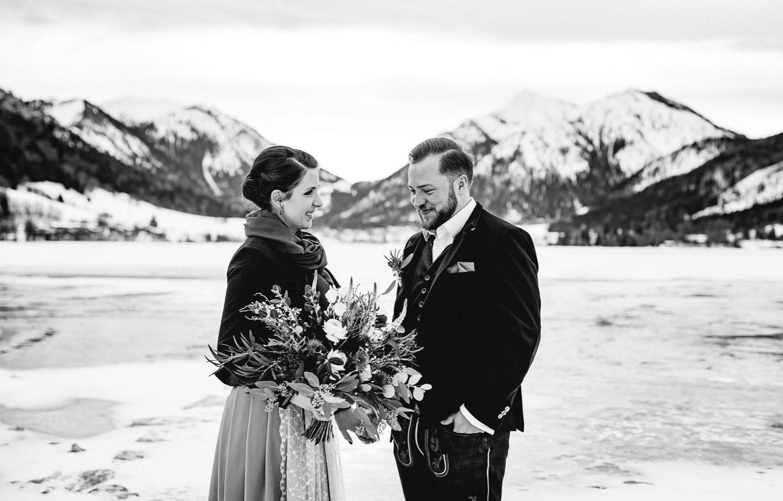 Hochzeitsfotos-Winter-Schliersee-04 - (C) Lichtmädchen Fotografie Nicki Schäfer