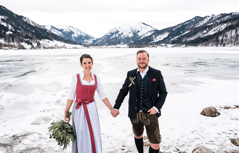 Hochzeitsfotos-Winter-Schliersee-07 - (C) Lichtmädchen Fotografie Nicki Schäfer