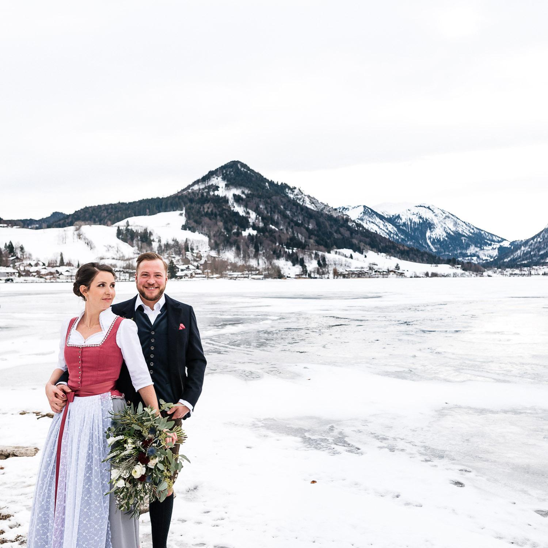 Hochzeitsfotos-Winter-Schliersee-08 - (C) Lichtmädchen Fotografie Nicki Schäfer